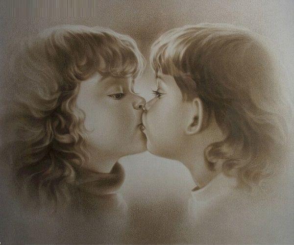 Image of 2 børn kysser
