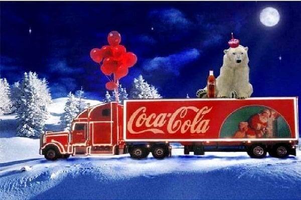 Isbjørn på Coca Cola lastbil thumbnail
