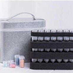 Boks med 126 bøtter med indhold - Diamond Paint
