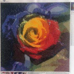Flerfarvet rose i diamond paint