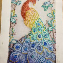 Rød påfugl tæt på - Diamond Paint