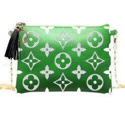 Grøn skuldertaske med hvidt mønster i diamond paint