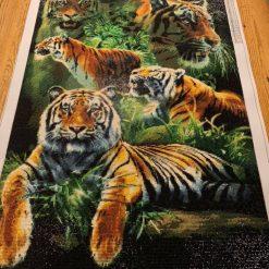 Flot tiger i diamond paint - færdigt resultat