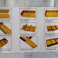 Bekkeholder i træ med plads til 11 bakker og penneholder i diamond paint