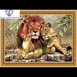 Løvefamilie med indbygget ramme i diamond paint