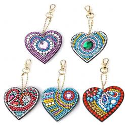 Nøgleringe med hjerteform i diamond paint
