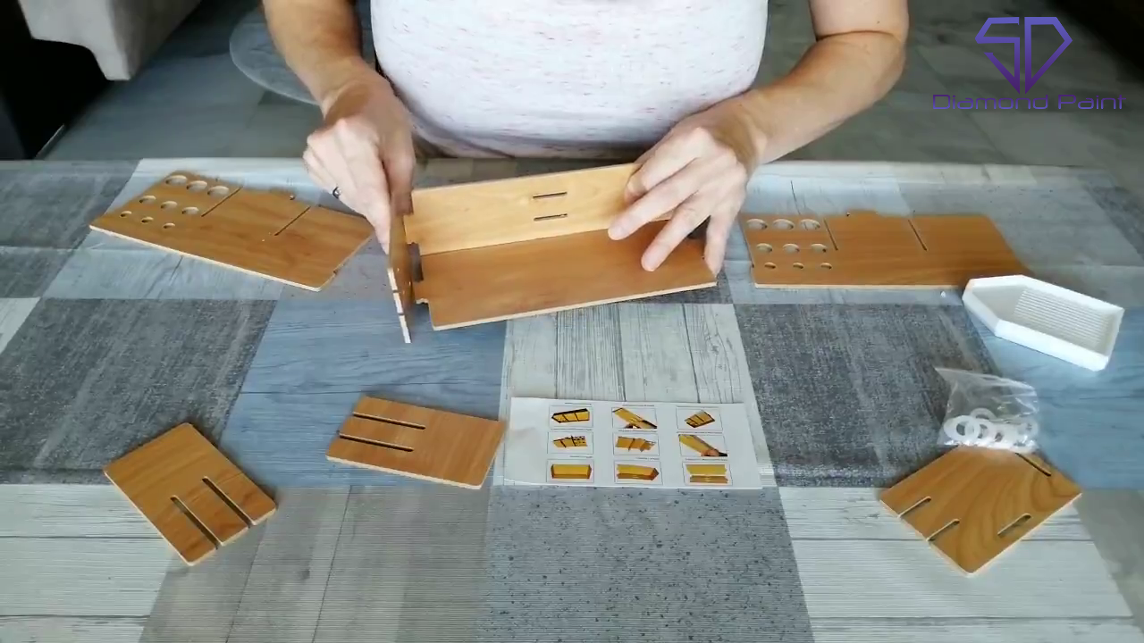 Sådan samler du den smarte bakke- og penneholder i træ til diamond paint