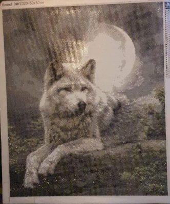 Liggende ulv i diamond paint