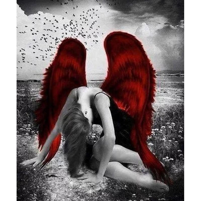 Engel med røde vinger i diamond paint